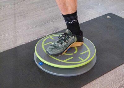 513 Einbeinige Kniebeuge klassisch mit Balance-Control