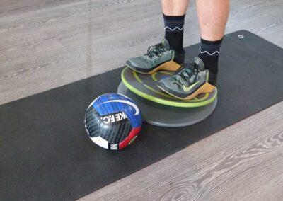 Balance Übungen mit dem Ball – Ganzkörperstabilität und Koordination