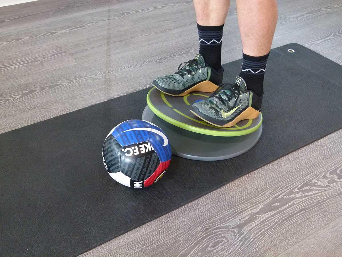 MFT Übungen 516-519 Stabilisieren beidbeinig mit Ball