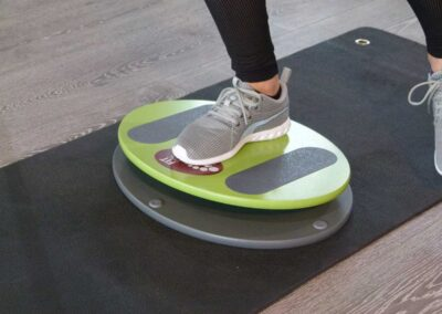 Perfekt Balancefit – Beinachsenstabilität – Fit Disc Übungen im Einbeinstand
